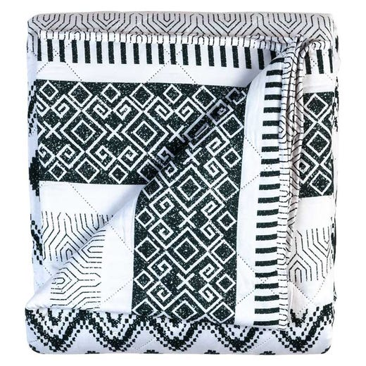 Lightweight quilted bedspread with stylish patchwork
